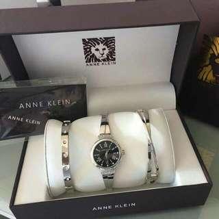 Anklein watch