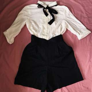 White Foldable Sleeves and HW Shorts