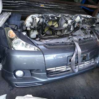 Toyota Wish 05 /Nose Cut