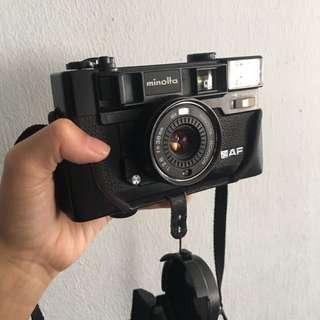 (Mint) Minolta Hi-Matic AF2-M 35mm film camera