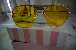 Kondisi new ! Rae sunglassess tinted yellow
