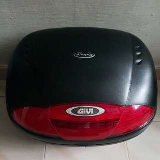 Givi E45 Motorcycle top box