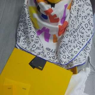 FENDl 絲巾