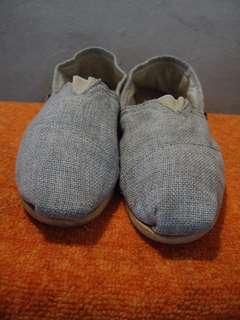 DOWSOM sepatu slip on