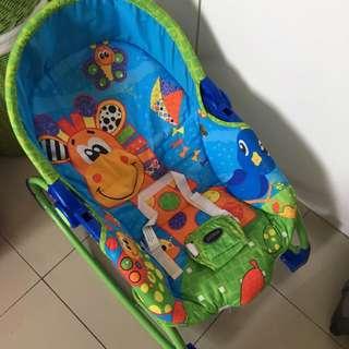 Pliko kursi goyang bayi