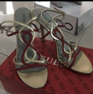 GUESS HEELS SIZE 8M ( 38-39 )