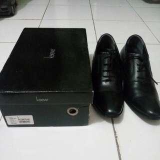Sepatu Pantofel Keeve Original Sz 41 Fit To 42-43 (Kulit Asli)
