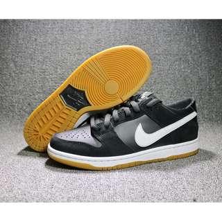 耐克Nike 黑生膠運動滑板鞋 閒運動慢跑鞋 輕便透氣跑步鞋 時尚百搭運動鞋 舒適耐磨休閒鞋