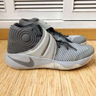 Nike Men's Kyrie 2 Omega Wolf Grey (authentic)