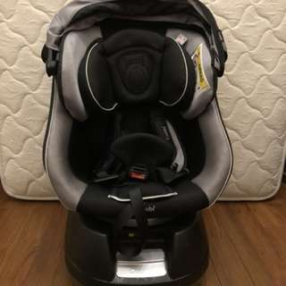 Combi Cradling 360 car seat (2 units available)