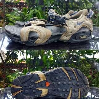 Nike sandal sepatu