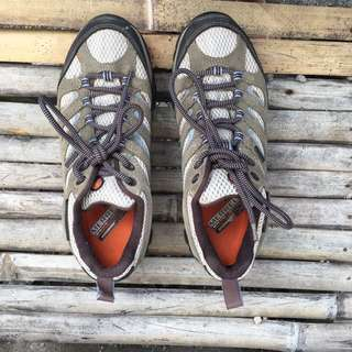 Original MERRELL CONTINUUM MOAB WATERPROOF DUSTY OLIVE WOMEN HIKING SHOES (size 39)