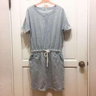 🚚 全新! 灰色 連身 連身裙 連衣裙 洋裝 休閒 落肩設計 無肩線 超顯瘦 麻繩 收腰 腰圍可調整