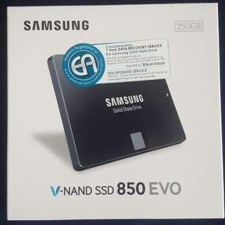 BNIB Samsung 850 Evo 250GB SSD