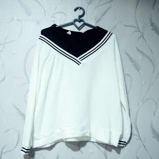 Sweater lengan panjang