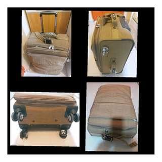 24吋四雙輪轆可增伸行李箱