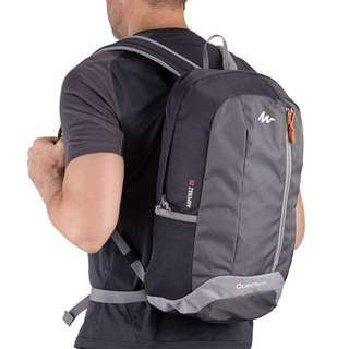 ARPENAZ 20-LITRE HIKING BACKPACK - BLACK : IDEAL FOR A DAY'S HIKING