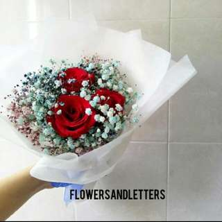 Rose Bouquet 3-stalks Rose means I Love You  Red Roses, blue and pink baby's breath fresh flower hand bouquet 💐