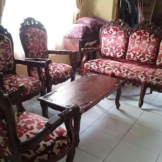 Kursi dan meja tamu jati