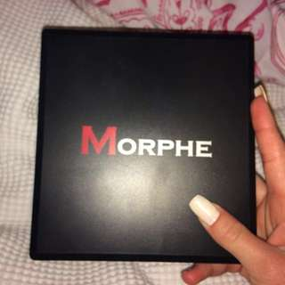 MORPHE HIGHLIGHT & CONTOUR