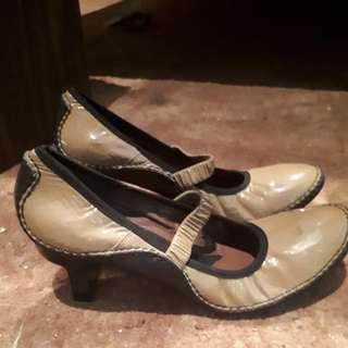 Italian made brown Amarni high heel shoes. size US 8 UK 6
