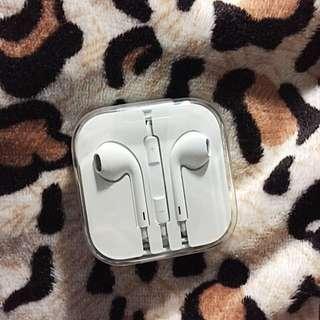 Authentic Apple Earpods/Earphones (100% Original)