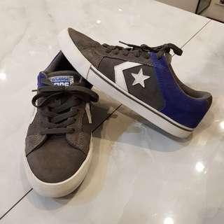 Sepatu Casual Converse