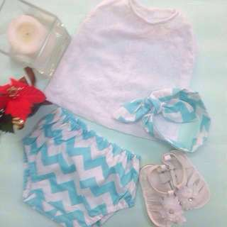 🎄✨‼️SALE‼️ MELISSA BABY GIRL'S BLOOMER SET for (6 months - 12 months)