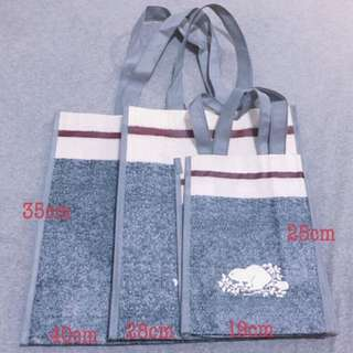 ROOTS. VIP購物袋 👉👉正品♥️♥️ 小👉$80 中👉$100 大$120 數量有限快ㄛ⋯⋯