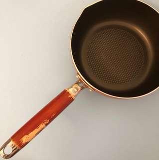 8寸大 平底鍋附蓋子 電磁爐可使用