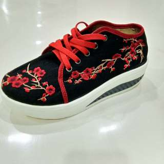 Sneakers Flower Embroidery Premium