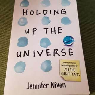 Holding Up The Universe by Jennifer Niven (Paperback)