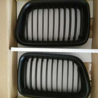 E36 nose grill black edition