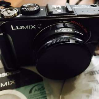 Panasonic lumix LX-7 Camera