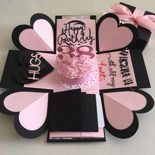 Explosion Box With cake, 4 waterfall in black & pink