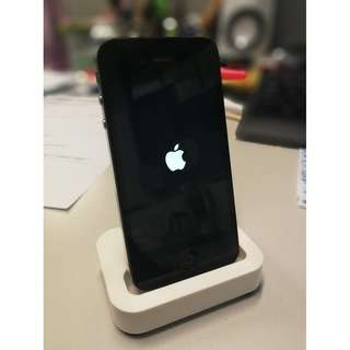 iphone 4s 16GB with dock