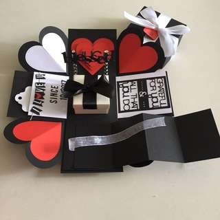 Explosion Box With Gift Box, Pull tab in black, white & red