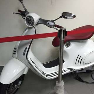 Limited Edition Vespa 946