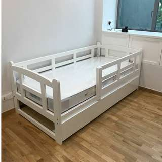 Single Bed with pull out