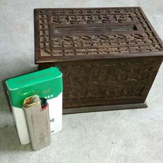 Kotak rokok kayu berukir