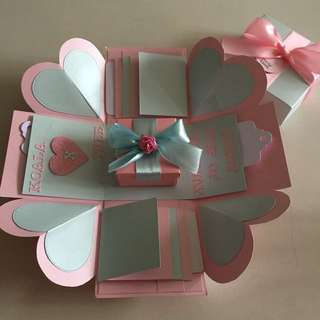 Explosion Box With Gift Box, 8 waterfall in pink & blue