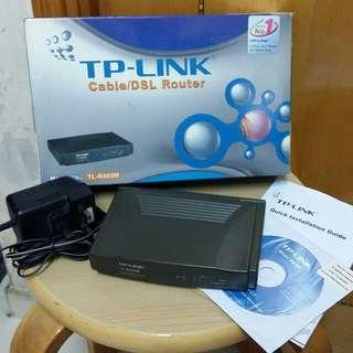 TP-LINK 舊款有線Router(TL-R402M)