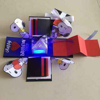 Snoopy Explosion Box With Lighthouse, 8 Waterfall , Pull tab