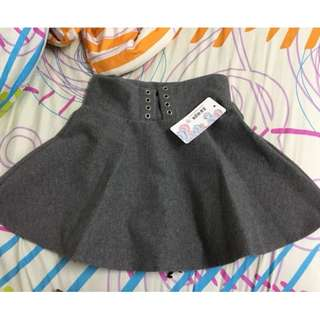 Grey high-waist skirt with safety pants