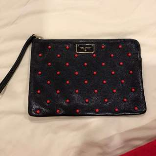 Marc Jacob clutch come with dust bag