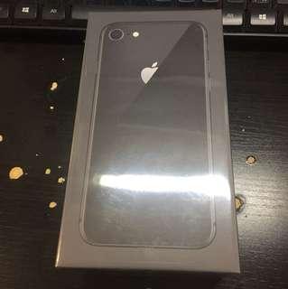 全新 IPhone8 64GB 太空灰 未開過 包裝都未拆