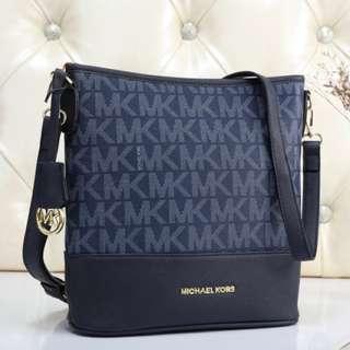 Michael Kors MK Sling Handbag (FREE POSTAGE)