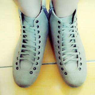 Sepatu Boots Solany Progetty