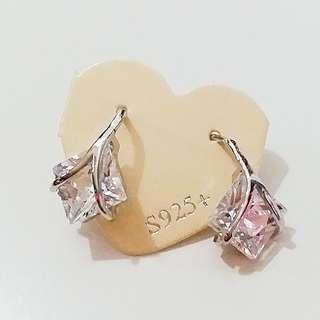 新年減價,貨品折扣75折起。好靚好閃呀…925韓國耳環