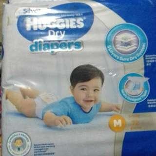 Pampers huggies dry M